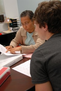 First Year COllege adviser Kim Outing meets with a student. PHOTO BY ROGER WINSTEAD